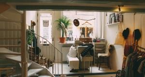 Минимализъм и хай тек за малък апартамент